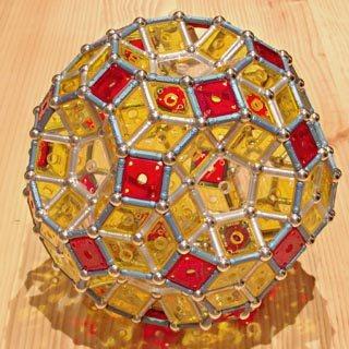 Constructions GEOMAG: icosidodécaèdre rhombitré
